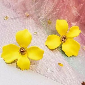 Jewelry - 🌼Yellow Tropical Flower Earrings 🌼